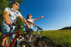 photo: Couple on bicycles. http://de.fotolia.com/id/42958340 © Artem Furman / fotolia.com